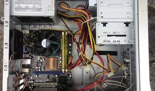 Wymiana pamięci RAM w komputerze stacjonarnym